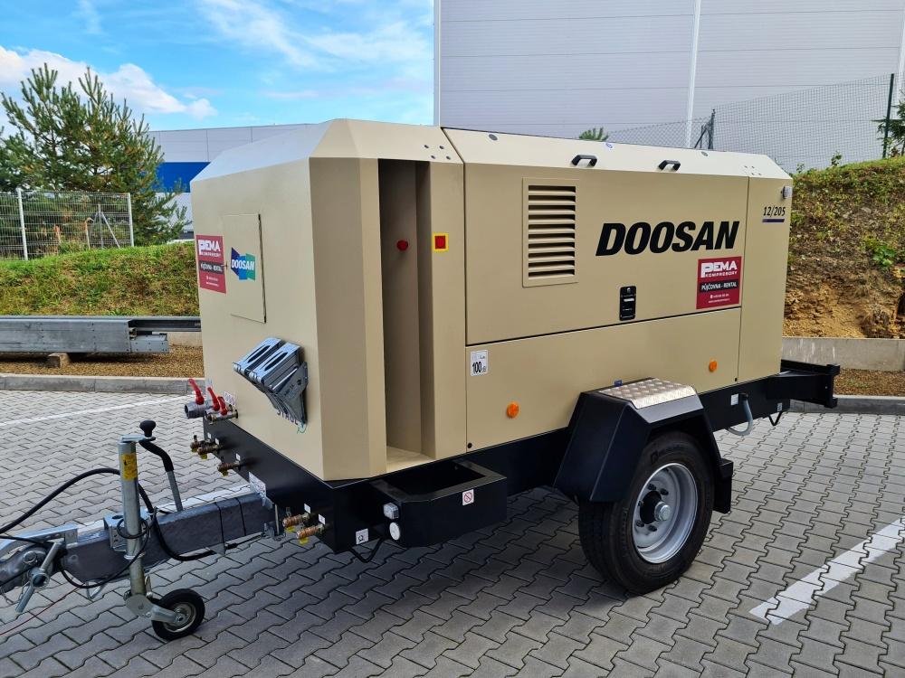 pojazdný kompresor Doosan 12/205